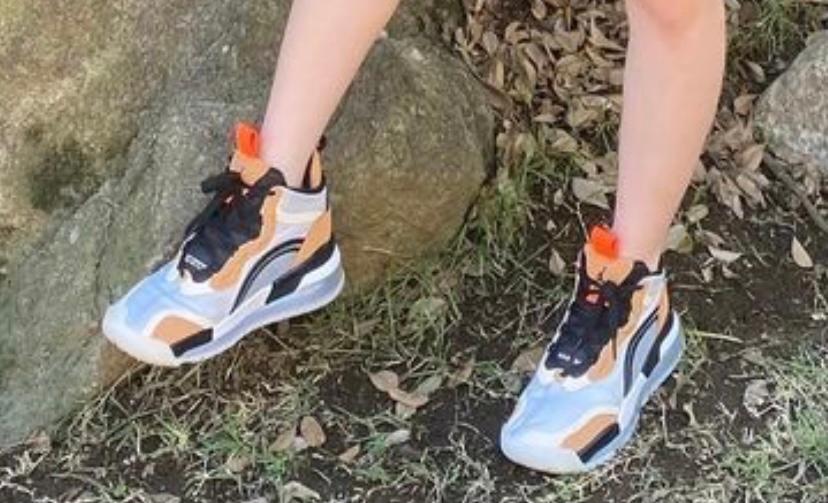 お礼チップ!100枚!!! 古川優香ちゃんがルックブックの動画でも履いていて昨日インスタに投稿していたこのNIKEのジョーダンの靴がネットで探しても探してもありません。今はもう同じやつ生産されて...