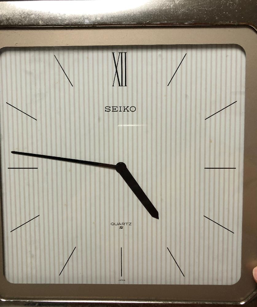 うちに古いセイコーの薄型掛け時計があります。使いたいのですが、電池の種類がわかりません。 ご存知の方いらっしゃいましたら教えて下さい。よろしくおねがいします。