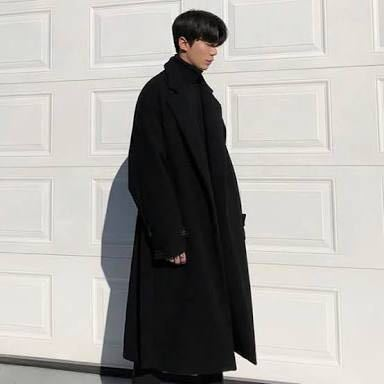 こういった感じの丈の長いコートってどこのブランドのがオススメですか?韓国系ファッションがしたいです。