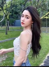 この中華美女は誰ですか? モデルさん?faceplayというアプリに出ています!
