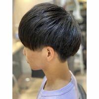高校生です 髪型をマッシュにしたいんですがツーブロックが禁止です 結構厳しいです!! これはツーブロックですか??