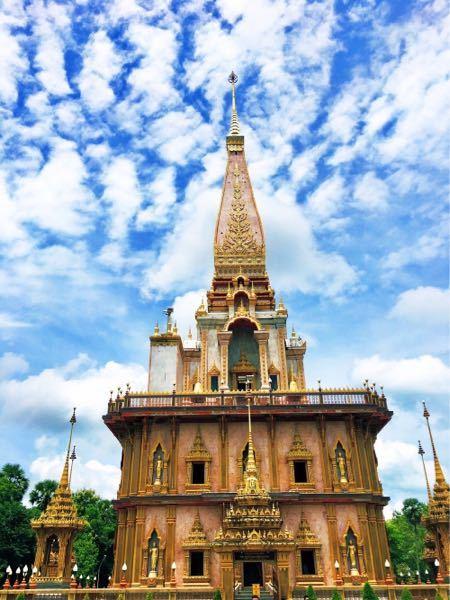 タイに行った時に訪れたお寺?なのですが 名前を忘れてしまいました。 わかる方いましたら、お願いします。