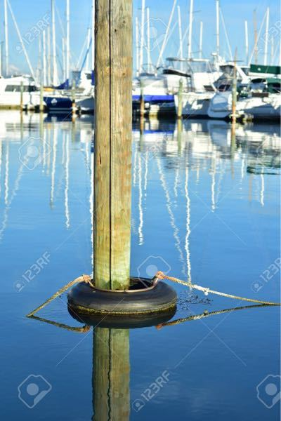 ボートの係留について、画像の様な浮くタイヤがほしいのですが、これはなんという商品ですか? また似たような商品があれば教えてください!