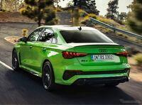 新型アウディRS3 セダンには「ドリフトモード」が搭載されているらしいですが、 コレってどういう時に使用するのでしょうか?  また、最高出力400馬力の2.5リッター直列5気筒ターボエンジンは同じカテゴリー(AWD4ドアセダン)のスバルWRXを凌駕していますか?