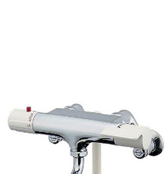 シャワーのお湯の水圧を強める方法でアドバイスお願いします。 家のシャワーのお湯が水圧が優しすぎるので、水圧を上げたいのですが、ストレーナーのバルブ?と言ったら良いのか…回りません。蛇口の上あたの壁にシールで水圧を上げたい場合、ストレーナーを掃除してくださいと、やり方のシールが貼ってあるのですが、全然ビクともしません。 556と吹きかけてもハンマーでやってみてもダメでした。マイナスドライバーで回すタイプなのですが、力尽くでやってなめってしまいそうなので諦めようかと。でも諦めきれない〜… おばあちゃんちの一軒家を借りているので、相当古いのでカルキとかで固まってしまっているのかも?しれません。因みにボイラーです。(灯油)お湯だとすごい優しい水圧、水にすると最強の水圧で。 そこでふと疑問に思い、まずストレーナーが掃除できないのなら、思い切って新しい蛇口?(画像)を買い換えれば水圧も上がるのか?と思い質問させてもらいました。 買った後に変わらなかったら意味がないので、教えてください。