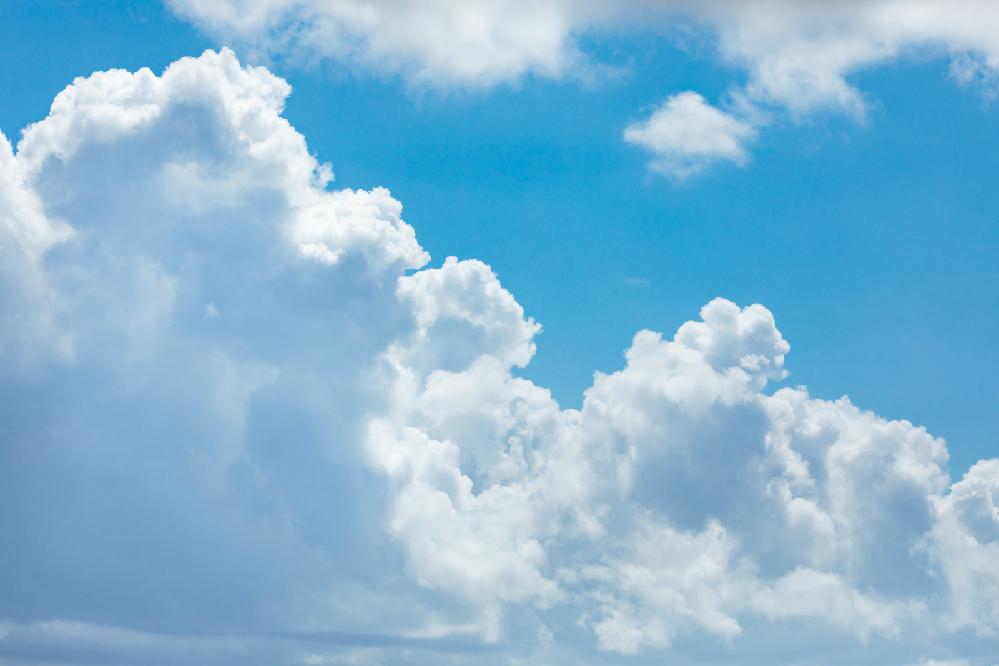この雲の名前を答えられる方いらっしゃいますか? もしいらしたら,教えてください。