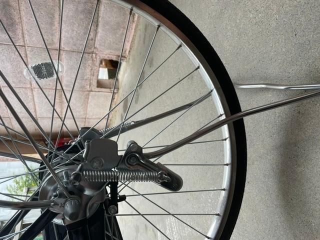 自転車のスタンドが斜めになって、止まったままになりました。自力で直せますか?直せない場合、修理代はいくらぐらいかかりそうですか?