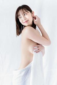 フリーアナウンサーの塩地美澄さん。 なかなかキワドイグラビアはありますけど、今後、隠し無しのフルヌードの発表はあると思いますか??