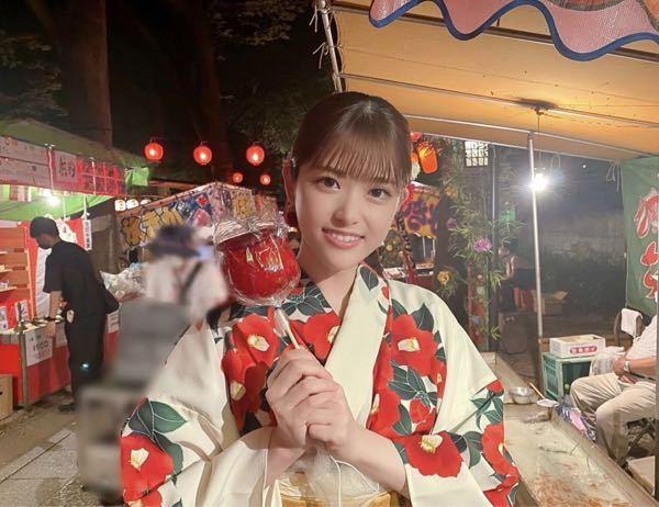 男性に質問。 この、浴衣姿でりんご飴を持って笑顔でいる女優・松村沙友理さんが可愛いと思いますか?