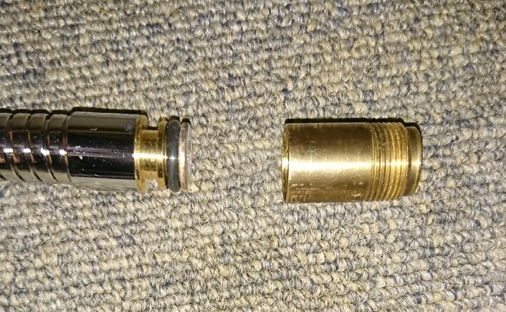 水道管のことなんですが、これを繋ぐアダプター?ソケット?は売ってますか?