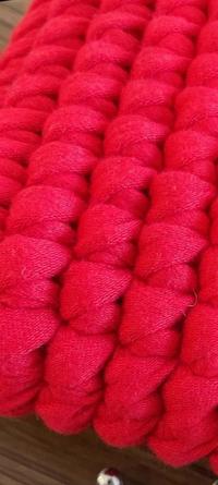 この編み方はどうやってあみますか? そして、何編みといいますか? 普通に細編みしてもならないし、メリアス編み風にしてもこんな風になりません。 詳しくわかる方よろしくお願いします!