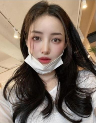 """美容系ユーチューバーYU CAT NIP、「胸と顔の整形」術後の近況明かす どうですか? YU CAT NIPは韓国で""""万能クリエーター""""として人気のYouTuberチェコギと2016年に結婚し..."""