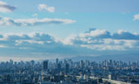 大阪の都会度を100としたら、 名古屋15 福岡15 札幌10 仙台8 広島8 横浜7 神戸7 ぐらいですよね?  写真は東大阪市から見た都心方面です。