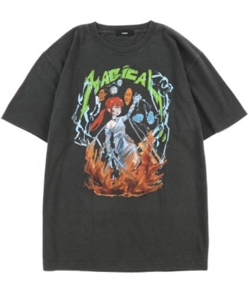 このようなtシャツを作りたいのですがどのように作ってるかわかる方いますか?何となくでいいです。 シルクスクリーンだとこのような細かい色分けは難しいでしょうし、アイロンプリントをすると洗濯に弱くなってしまうので、やはり業者に頼むものなんでしょうか?他のやり方がある場合教えて貰えるとうれしいです。