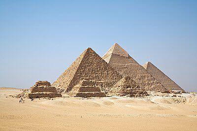 コロナが落ち着いたら、エジプトに行きたいのですが、 ギザのピラミッドに歩いて行けるホテルはありますか? 一生に一度の機会ですので、ピラミッドの近くに泊まりたいと思います。