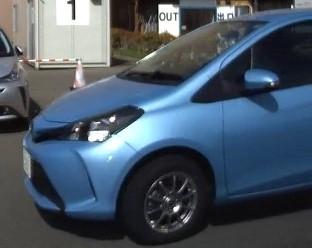 この車の車種名 お分かりの方、教えてください。