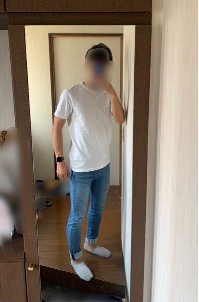 白ティーシャツにデニムの組み合わせってどうですか? 靴はvansのオールドスクールかエアマックス95履きます 白T デニム ジーパン