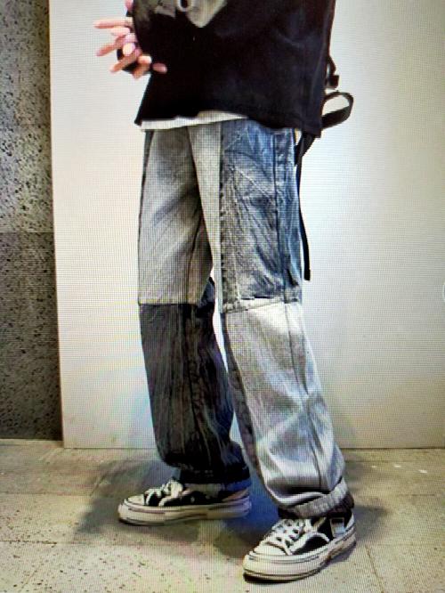 このデニムパンツはかっこいいですか?(上に何を着るかにもよると思いますが) 写真はネット上のものです。