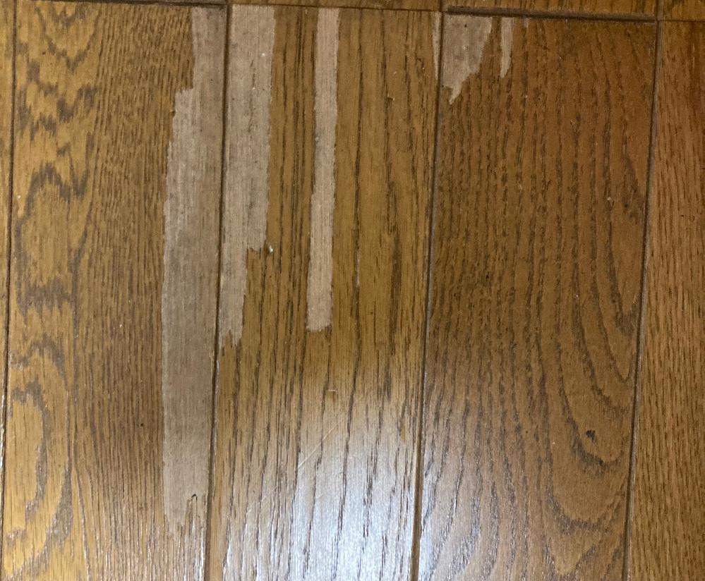 この床の剥がれた部分を直す方法はありませんか?
