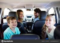 四人家族で軽自動車に乗っている人て家族の安全のことは考えないのですか。 ・・・・・・・・・・・・・・・・・・・・・・ よく分からないのですが。 小さいクルマと大きいクルマが衝突したら小さいクルマは潰れるとYahoo!知恵袋で聞いたのですが。 なぜ家族がいるのに軽自動車に乗るのですか。  と質問したら。 最近の軽自動車は安全。 という回答がありそうですが。  ですがN‐BOXとステップワゴンが...