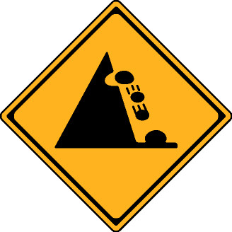 落石注意標識ですが、どのように気をつければ良いですか? 上ばかり気にして運転できないので、教えて下さい。