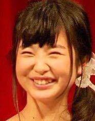 ネットで拾った画像なのですが、この女優さんはどなたですか?浜辺美波さんと言われているのですが、浜辺美波さんだったらヤバくないですか?さすがに整形・・・・・・