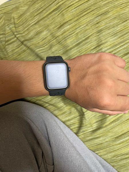 22歳男子です。 Apple Watch40mmを使用しています。 本体のサイズ感はどうでしょうか?
