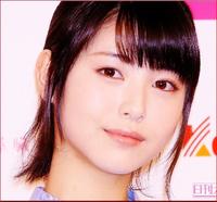浜辺美波さん(20歳)と中森明菜さん(56歳)とでは、  どちらが可愛いと、思いますか??    共に、今現在とします。