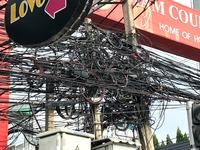 ベトナムの電線はなぜこんななのでしょうか?