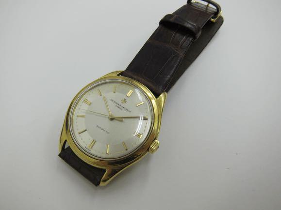 時計の修理についての質問です。祖父の形見である何の変哲もないスイス製のシンプルな腕時計です。半世紀以上前に逝ってから父はずっともっていて、ネジを巻いても動きません。 バシュロンコンスタンタンという時計らしく、詳しいことはわからないのですが、何と名門ブランドの時計らしいです。この時計はレストア修理は可能なのでしょうか? レストア修理すると費用はどのくらいかかりますか。
