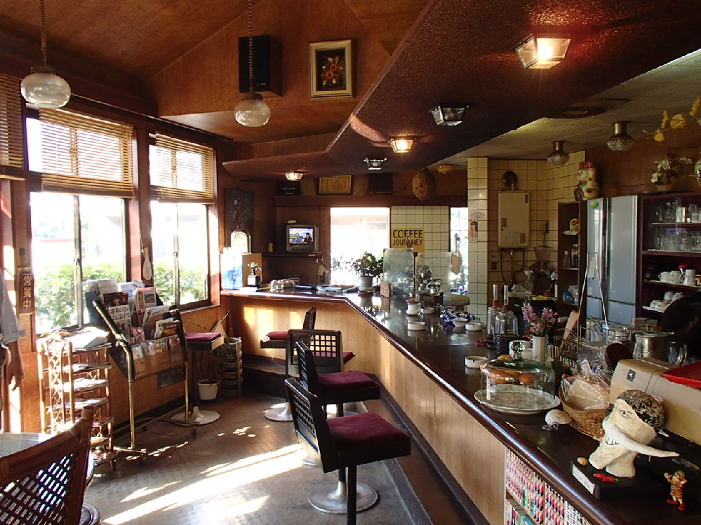 こんにちは 喫茶店によく行く皆さん 喫茶店にいちばん求める事は どんな事ですか??