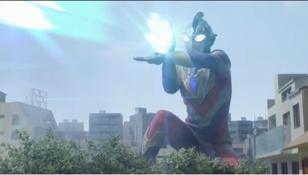 あなたが見てきたアニメや特撮作品に登場するものの中で「(名称や能力の詳細など)正式な情報はないため、気になる技、能力や武器」ってございますか? 私の場合、ウルトラマントリガー 第5話で『トリガーがデスドラゴに放ったスペシウム光線タイプの光線技』ですね。 公式には技の名称や威力も発表されておりませんが、ネットの情報では「マルチスペシウム光線」という名称であり、そこから「初代ウルトラマンの技を継承しているのか」と感じてしまいます。 たまたまポーズがスペシウム光線に似ただけなのか、それもとやっぱり関連性があるのかと一時気になってしまいましたね。