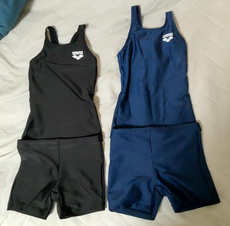 どっちの水着がかっこいいですか?