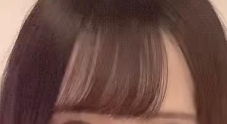 こんな感じに流れる前髪にしたい時はどんな感じにヘアアイロンで巻けばできますか??