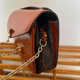 こちらのルイ・ヴィトンのバッグの名前ご存知の方いらっしゃいますか? 調べたのですが探せませんでした。 どうぞよろしくお願い致します!