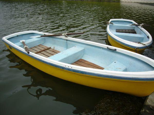 手漕ぎボートの疲労感を軽減するには?? 手漕ぎボートの釣りをした事があるのですが、帰宅後に途轍も無く疲労感を感じました。 手漕ぎボートで疲労感を軽減するには、どういう工夫をすれば良いでしょうか? ※何しろずっと座りっぱなしで姿勢も変わらなかで釣っていたので疲れました。。しかし、大変良く釣れたのでまたチャレンジをしたい所です。