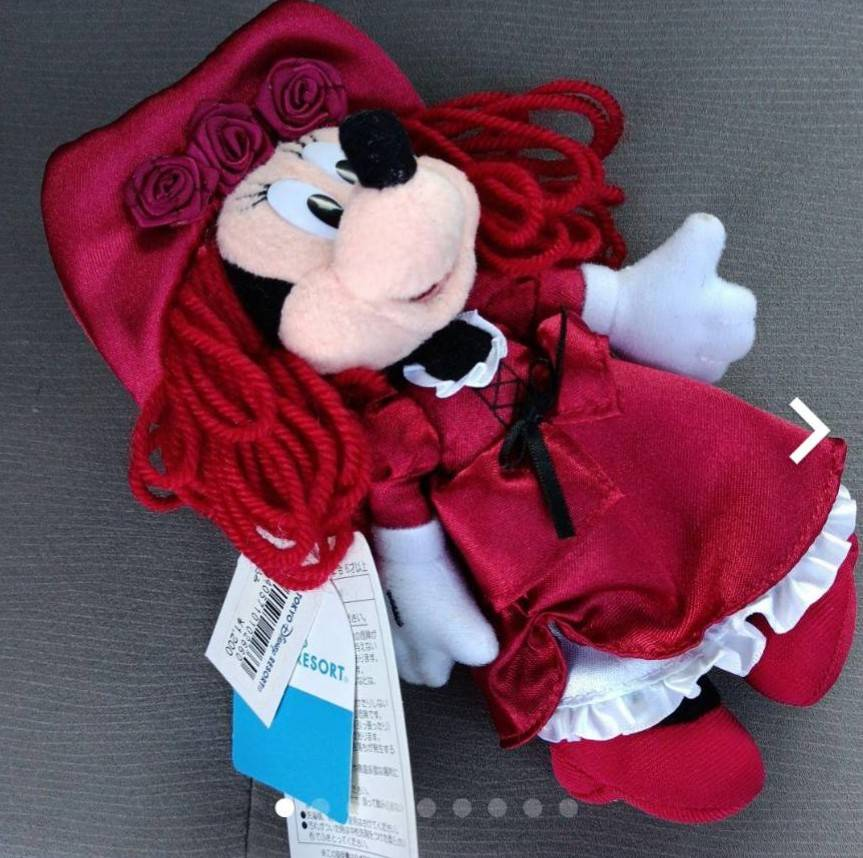 このディズニーの人形、いつのなんのキャラクターか詳しくわかる方いませんか?