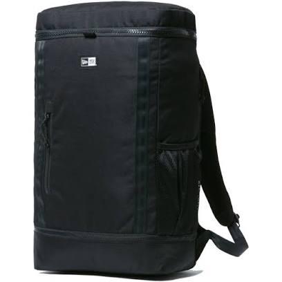 44歳です ニューエラのこのバッグはアリですか? オフの日に子供の荷物入れたりでボックスタイプのリュックが使い勝手良さそうで探してます。今使ってるのはポーターの32Lで同じくらいの容量が欲しくて。 ノースフェイスは高校生が多すぎて無しかなと思いこちらにしました。