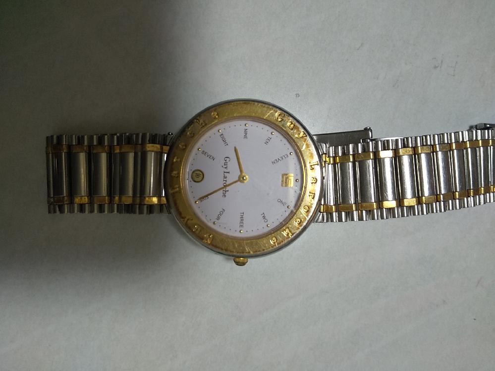 時計の電池の品番を教えて下さい。30年前くらいの製品です。メーカーはギ・ラロッシュです。