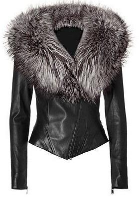女性の方へ、お尋ねします。 ファー付のジャケット、ファッションとして着て見たい方いらっしゃいますか?