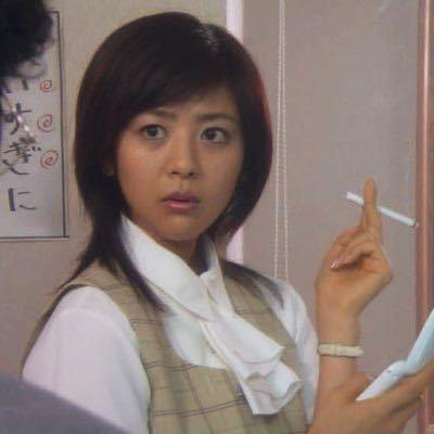 この写真の女優さんのお名前を教えてください。