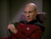 スタートレック (Star Trek) の音声ファイル(wav file)をダウンロードできるサイトを教えて下さい。 : : 特に「宇宙船のなかで部屋に入るときの呼び出し音」が欲しいのです。 「胸に付けているミニトラ...