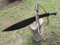 グルカ兵のシンボル「グルカナイフ」はなぜあのような形なのでしょうか?
