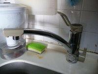 食洗機の分岐金具について TOTOの卓上型食器洗い乾燥機 EUD510 を中古で譲り受けました。 前使用者の分岐金具、EUDB300SS5R(R)というものが一緒についてきました。 自宅キッチンの水栓の品番は、消えてしまって...