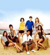 新ビバリーヒルズ青春白書 90210のシーズン2以降見たことがある方!  画像を探していて、シーズン2の画像を見ていたのですが イーサンはもう出てこないんですか??