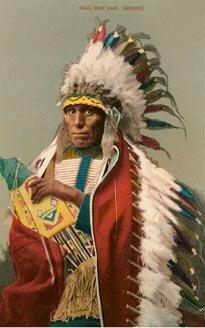 アメリカ先住民族の鳥の羽根を使った衣装には、どのような意味があった ...