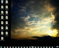 Windows7 アイコンのことについて困っています さっきPCをいろいろ触っていると急に別の何かを触ってしまい 下にあるタスクバーなどのアイコン デスクトップにあるアイコン全てがWindows Media Center になって...