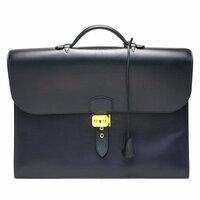 エルメスなどで高級バッグを現金で買った場合、名前や住所を書かされますか? それとも、匿名で購入できますか?