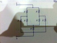 電気の問題について答えを教えてください 下図の回路において端子a.bからみた合成抵抗の値を求めなさい