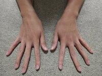 指が長く、爪もキレイだと手をよく褒められるのですが、副業などなにか活かせることはありますか? 31歳の男性会社員です。  先日、かなりの指フェチだと自称する女性とお話しする機会があり、「今まで見てきた...